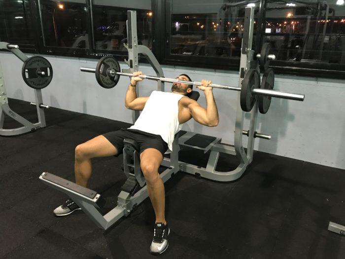 exercice-musculation-développé-incliné-barre