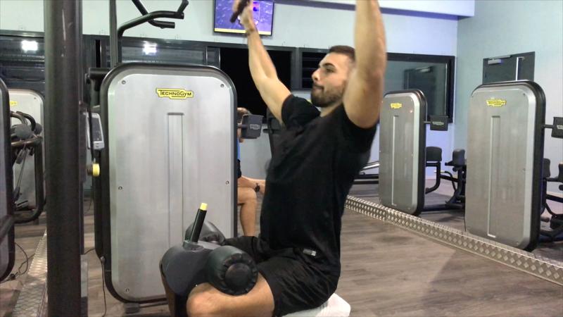 exercice-musculation-tirage-poitrine