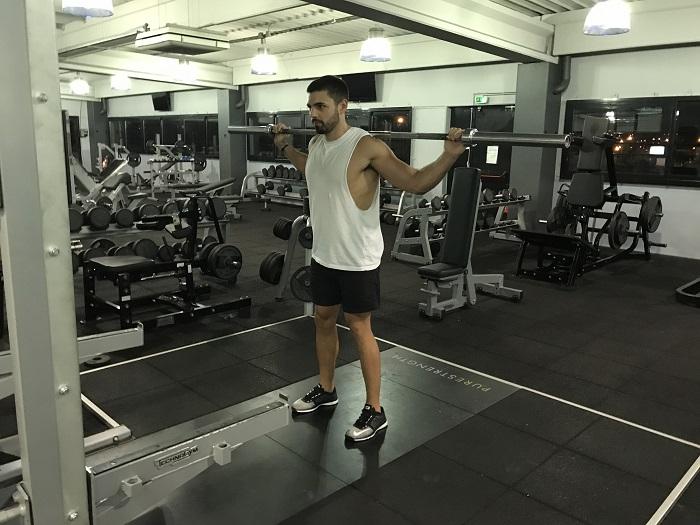 Exercice musculation: SQUAT à la barre